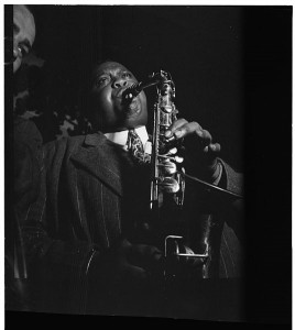 536px-Pete_Brown,_between_1938_and_1948_(William_P._Gottlieb_09841)